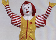 La «conversión» del Divino Niño en Ronald McDonald