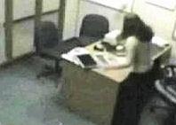 La despidieron y se volvió loca: quedó registrado en video