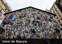 ¿Conoces este Hotel hecho con pura basura?