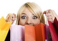 Según estudio, las mujeres pasan en promedio 8 años de su vida comprando