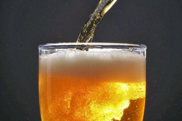 Estudio revela que la cerveza no hidrata