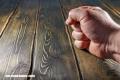 ¿Por qué tocamos madera para atraer la suerte?
