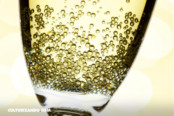 La Nota Curiosa: ¿Cuántas burbujas hay en una copa de Champán?