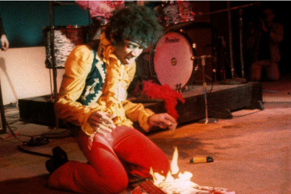 El día que Hendrix volvió a quemar su guitarra (+Video)