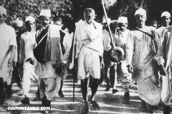 """La """"Marcha de Sal"""", una protesta pacífica que buscaba la independencia"""