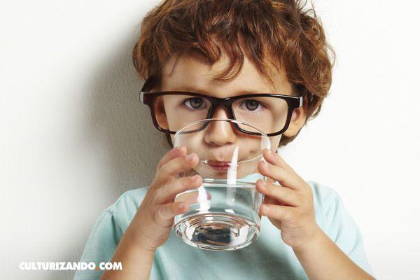 La Nota Curiosa: ¿Podría el agua matarnos al beberla?