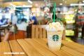 Demandan a Starbucks por exceso de hielo