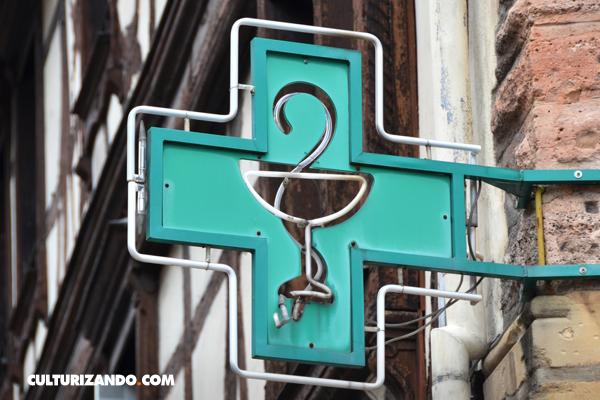 La Nota Curiosa: ¿Por qué una serpiente es el símbolo de las farmacias?