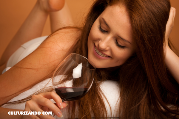 Adelgaza con una copa de vino antes de ir a dormir
