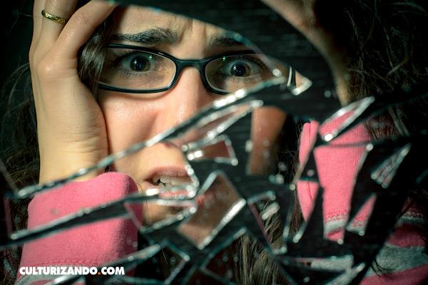 La Nota Curiosa: ¿Por qué romper un espejo se considera de mala suerte?