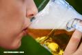 El matrimonio reduce el consumo del alcohol en los hombres y lo aumenta en las mujeres