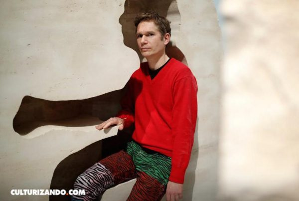 Abraham Poincheval: El artista que se encerró en una roca de 12 toneladas (+ Fotos)
