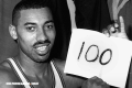 Wilt Chamberlain, el jugador que anotó 100 puntos en un partido de la NBA