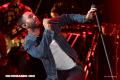 10 famosos atacados en conciertos por sus fanáticos (+Videos)