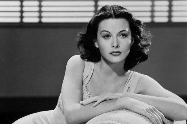 ¿Sabías que a esta hermosa actriz se le atribuye la creación del Wifi?