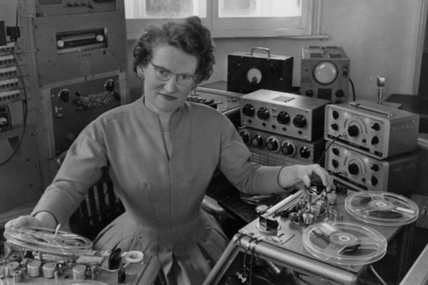 Daphne Oram, la desconocida pionera de música electrónica