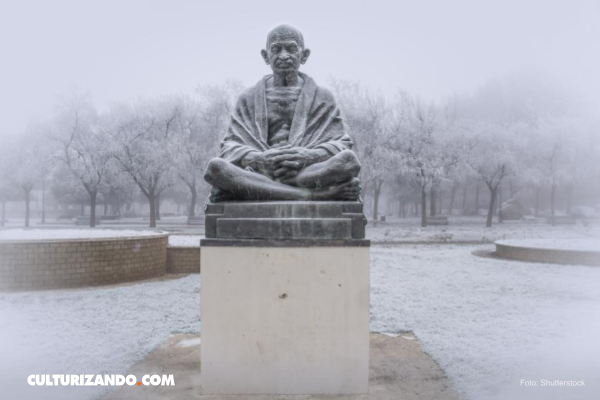 El encuentro sexual que traumatizó a Gandhi de por vida