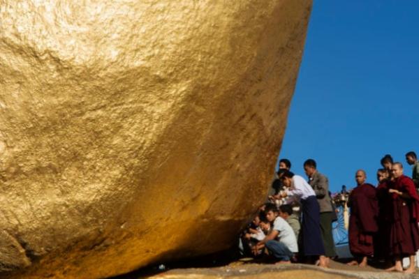 Lugares increíbles: Kyaiktiyo, la roca de oro