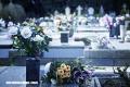 ¿Por qué se llevan flores a los cementerios?