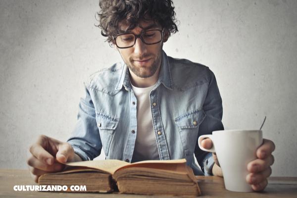 ¿Por qué algunos disfrutan del olor de los libros viejos?