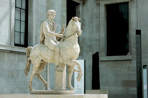 La historia de Incitatus, el caballo que llegó a ser senador romano