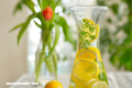 Como identificar y protegerse de las malas vibras con limones en agua