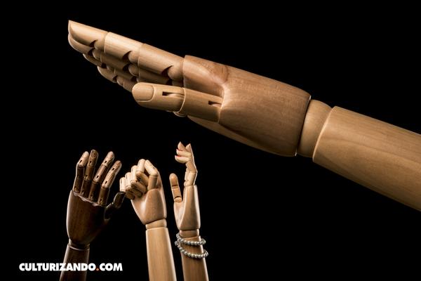 Conoce las 14 claves del 'Fascismo' según Umberto Eco