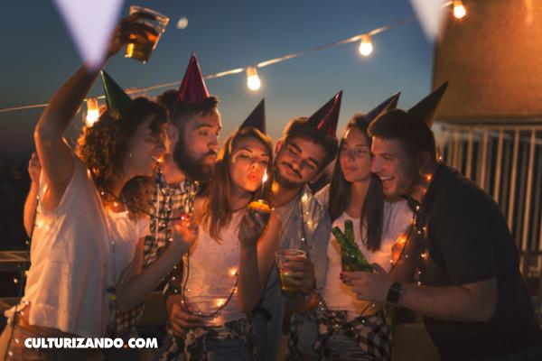 La Nota Curiosa: ¿Por qué cantar «Cumpleaños Feliz» pudo haberte costado dinero?