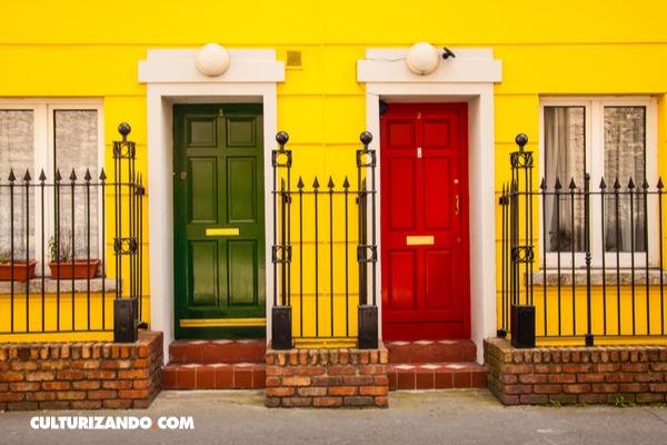 ¿Por qué las puertas en Dublín son de colores?