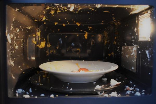 ¿Un huevo explosivo puede hacerte perder la audición?