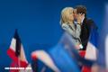 Una historia de amor singular: Emmanuel Macron y Brigitte