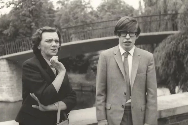En Imágenes: La juventud de Stephen Hawking (+Frases)