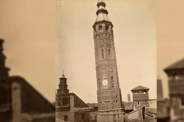 La torre inclinada de… ¿Zaragoza?