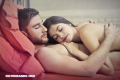 ¿Cuáles son los beneficios de dormir desnudo con tu pareja?
