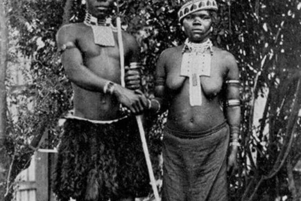 Estos fueron los primeros pechos desnudos de una mujer en una revista