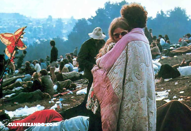 pareja icónica Woodstock
