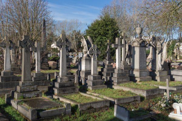 Los «Siete Magníficos» cementerios de Londres que debes visitar