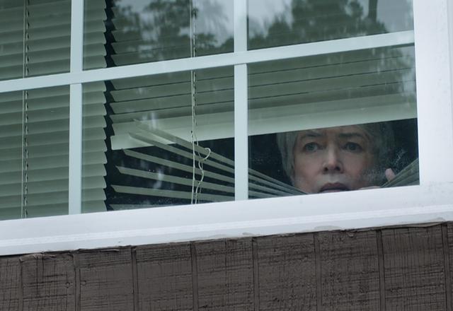 Kathy Bates como Bobi Jewell en 'RICHARD JEWELL' de Warner Bros. Pictures