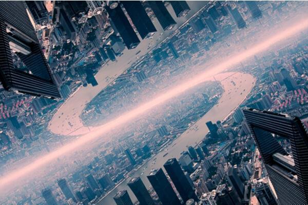 ¿Es verdad lo del universo paralelo donde el tiempo transcurre hacia atrás?