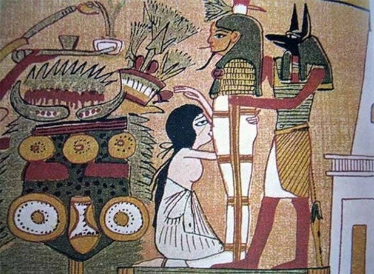 El sexo oral en el Antiguo Egipto nació con un mito del asesinato del dios Osiris. Se cuenta que después de que Osiris fuera asesinado y descuartizado por su hermano Seth, tanto su esposa como su hija viajaron alrededor de todo el mundo recolectando y coleccionando todos los pedazos del cuerpo de este dios. Al no encontrar su pene, la esposa decidió esculpir uno en arcilla, lo unió a su cuerpo y lo devolvió a la vida mediante una felación.