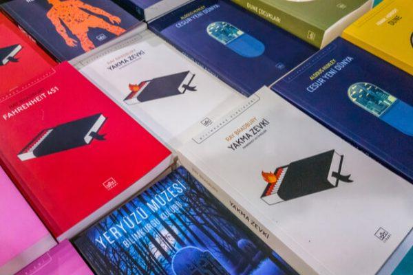 'Fahrenheit 451': la novela que nos advierte sobre el peligro de la tecnología