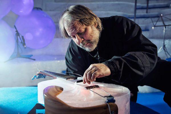Tim Linhart y los instrumentos de hielo