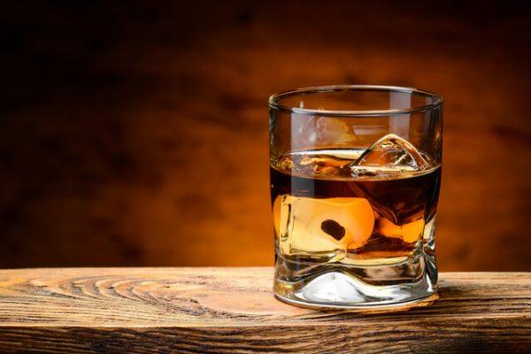 Te explicamos en qué consiste la denominada Guerra del Whisky