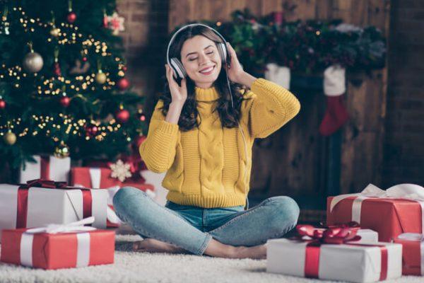 ¿Sabes cuál es la canción más vendida de la historia? Conoce por qué es relevante en diciembre (+ playlist)