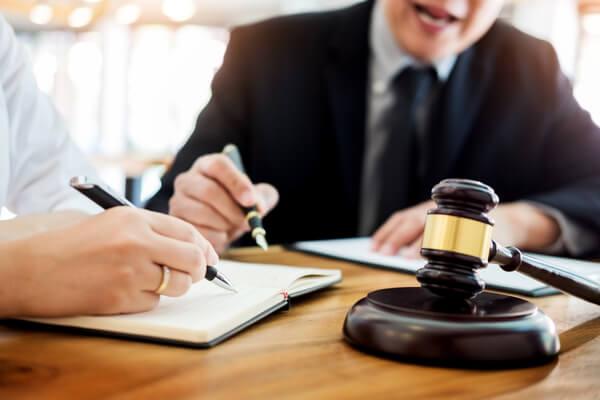 ¿Cómo elegir el mejor abogado cuando tienes problemas penales?