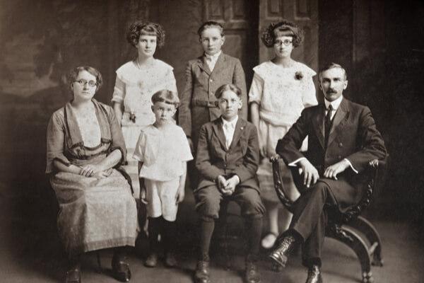 7 famosas familias malditas, ¿las conoces?