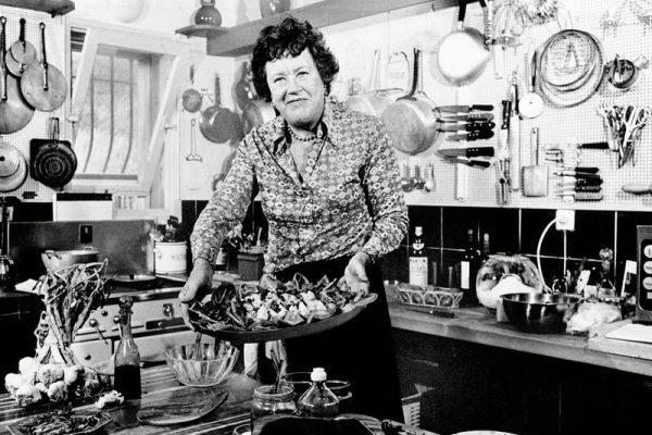 ¿Chef y espía? Conoce los increíbles orígenes de la famosa cocinera Julia Child
