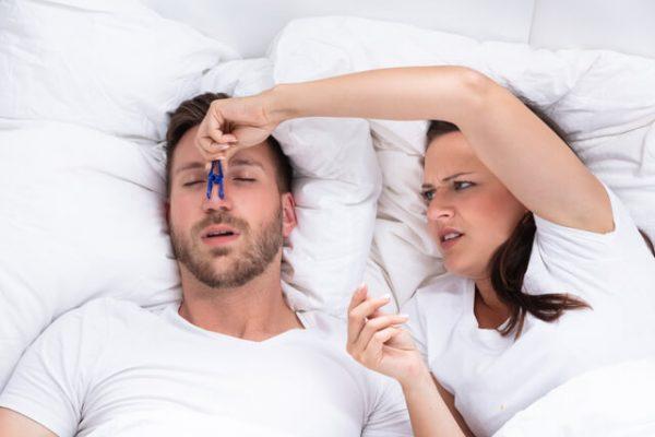 El ronquido… Ese molesto ruido cuando dormimos… ¿Sabes por qué roncamos?