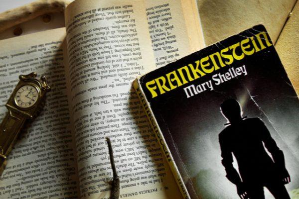 Biblioteca Culturizando: 'Frankenstein', el clásico sobre la desgracia