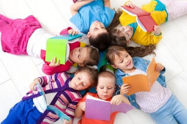 Cómo leer con los niños y crearles el hábito de la lectura